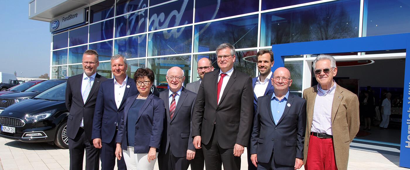 Autohaus Hermann eröffnet großen Ford-Store