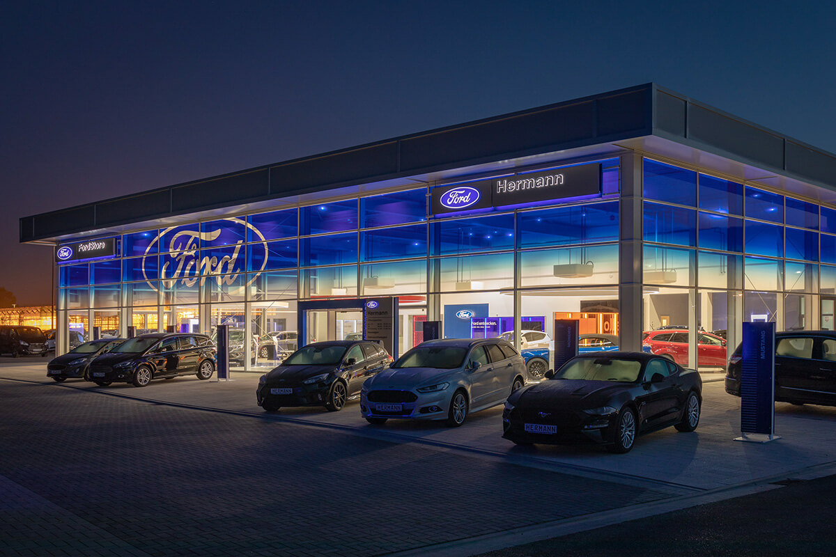 Einbeck Ford-Store