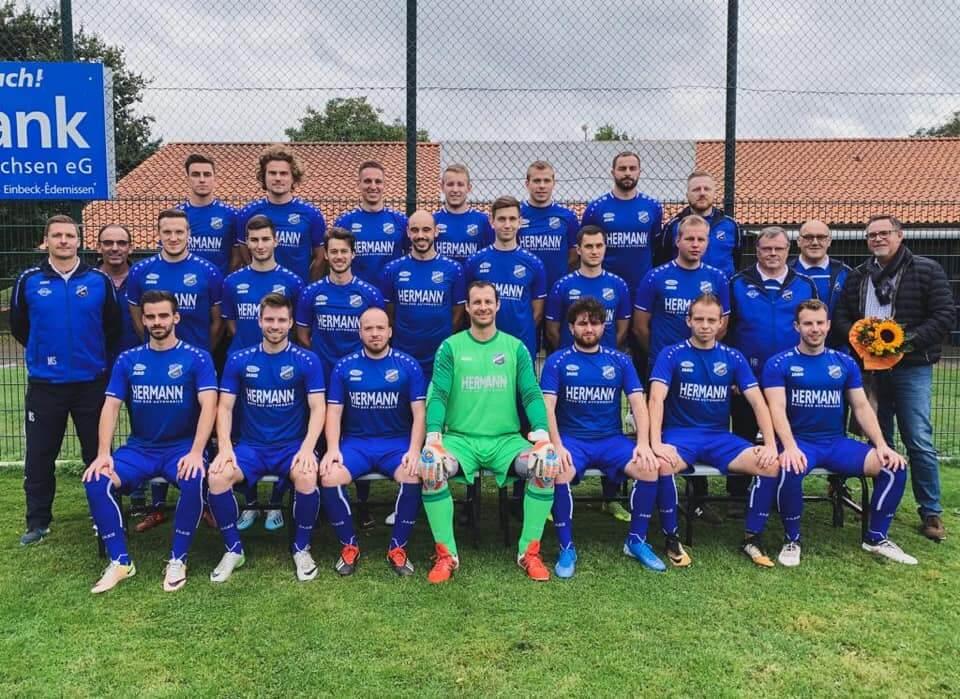 Überzeugender Heimsieg in neuen Trikots! – Trikotübergabe an FC Sülbeck/Immensen