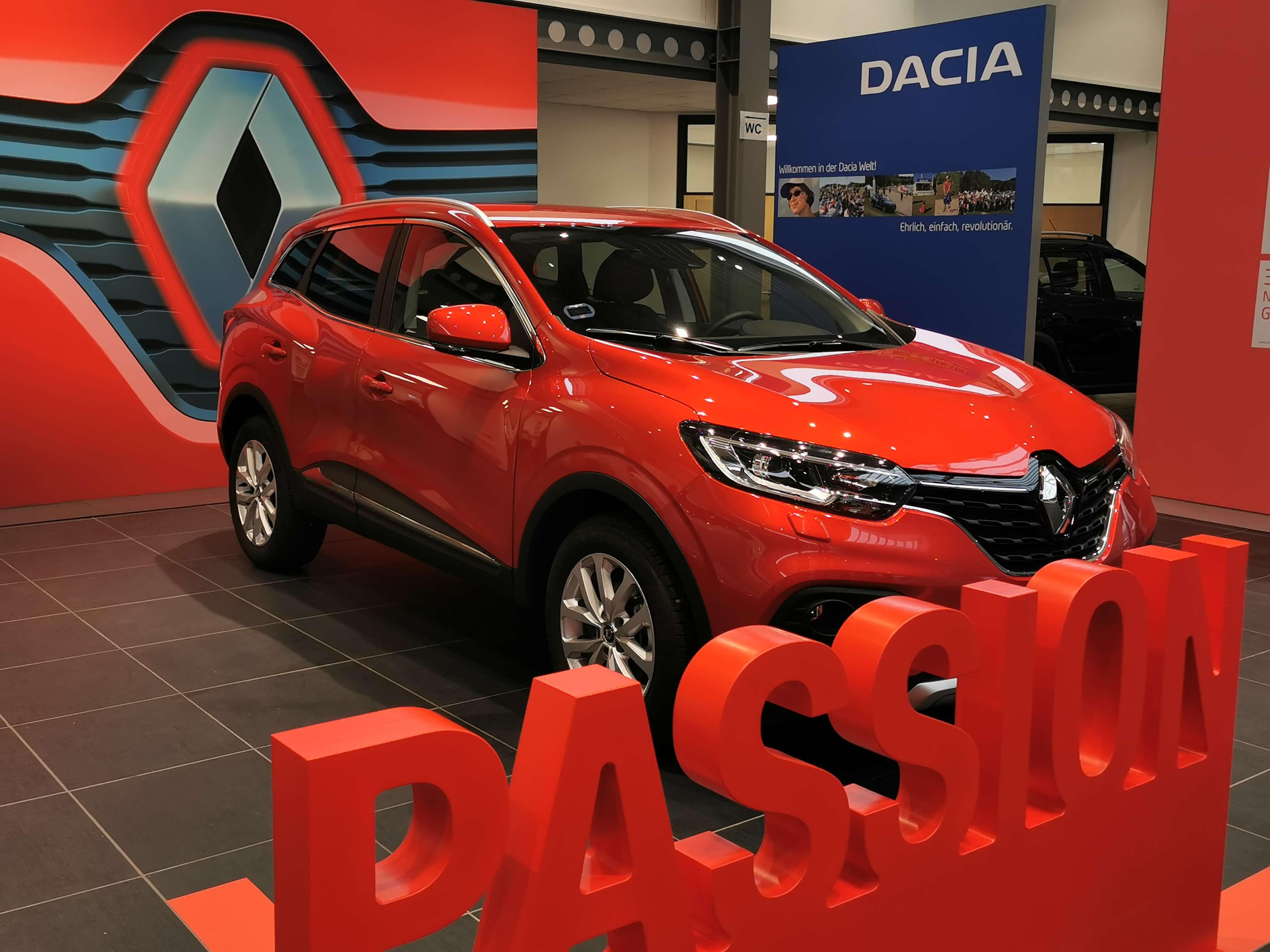 Erneuerung der Renault Verkaufshalle in Northeim ist abgeschlossen